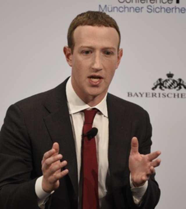 Mark Zuckerberg distances Facebook from Twitter in Trump fight