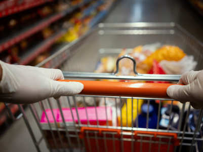 Why you should avoid wearing gloves while grocery shopping