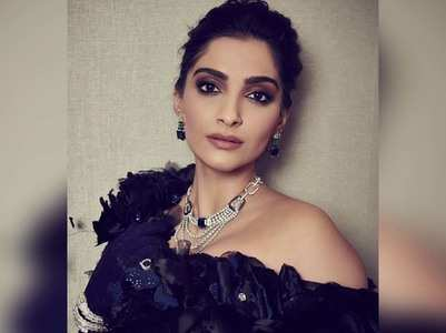 Sonam updates fans as Earthquake hits Delhi
