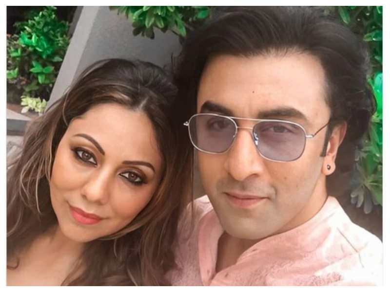 THIS epic selfie of Ranbir Kapoor and Gauri Khan will drive away your lockdown blues