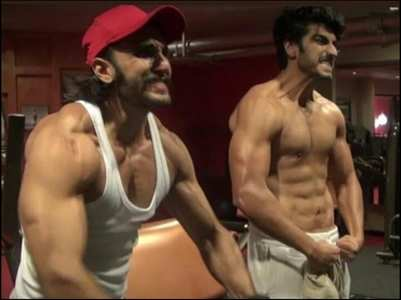 Fan asks Arjun to host show with Ranveer