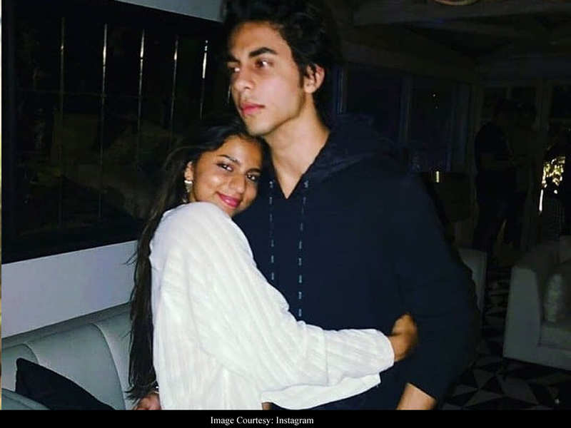 This adorable throwback picture of Shah Rukh Khan's kids Suhana and Aryan is shelling out major sibling goals