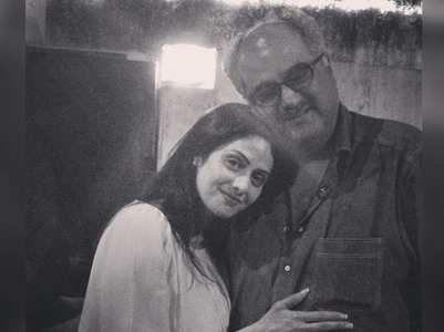 Janhvi posts a priceless pic of Boney & Sridevi