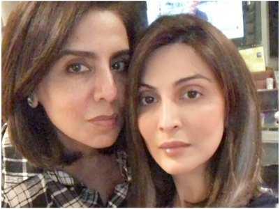 Riddhima & Neetu twin in checkered shirts