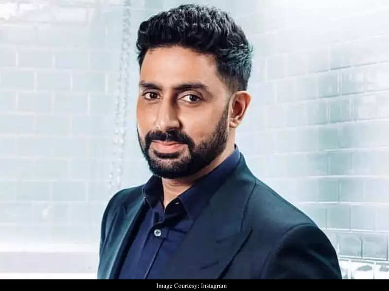 """""""Situation may get difficult by the hour but let us be prepared,"""" Abhishek Bachchan urges Mumbaikars to stay prepared during #CycloneNisarga"""
