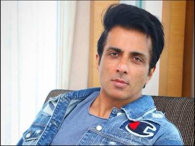 Sonu Sood's humble response to a fan