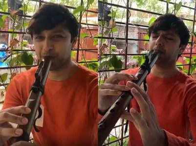 WATCH: Vatsal Sheth plays flute