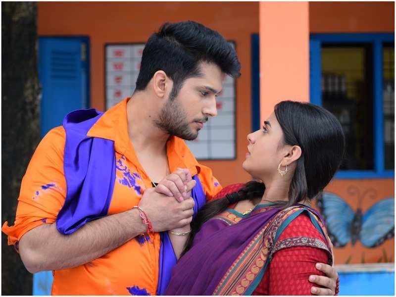 Namish Taneja and Meera Deosthale in 'Vidya'