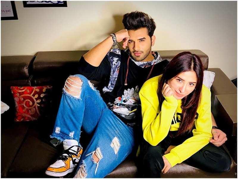 Paras Chhabra and Mahira Sharma (Instagram)