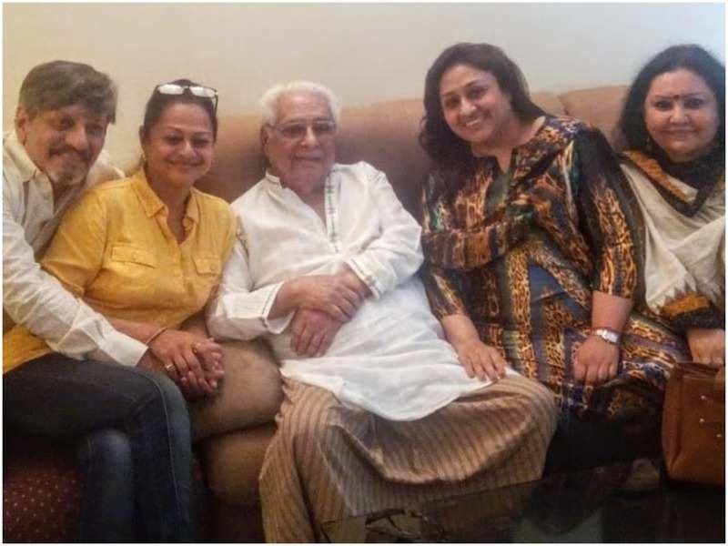 Amol Palekar, Zarina Wahab, Basu Chatterjee, Bindiya Goswami and Vidya Sinha, shot by Sandhya Gokhale