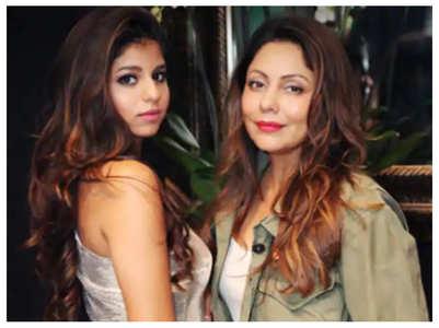 Pic: Suhana & Gauri enjoy Mumbai rains
