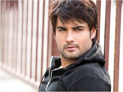 Vivian: I don't play the same roles in my shows