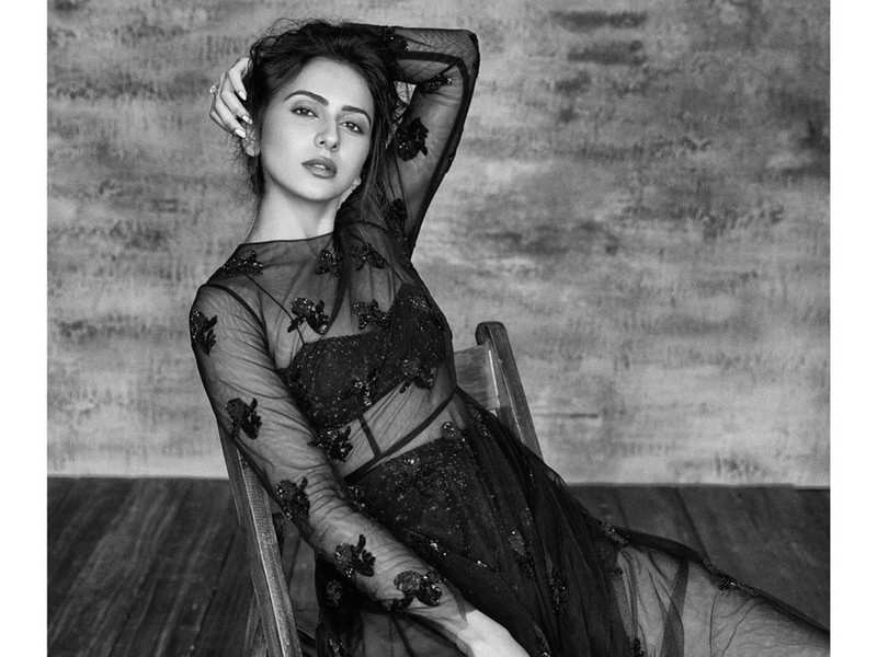 Rakulpreet Singh narrates her fitness story in one picture