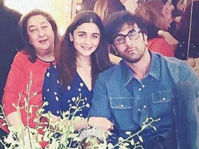 THIS pic of Ranbir, Alia is all things cute