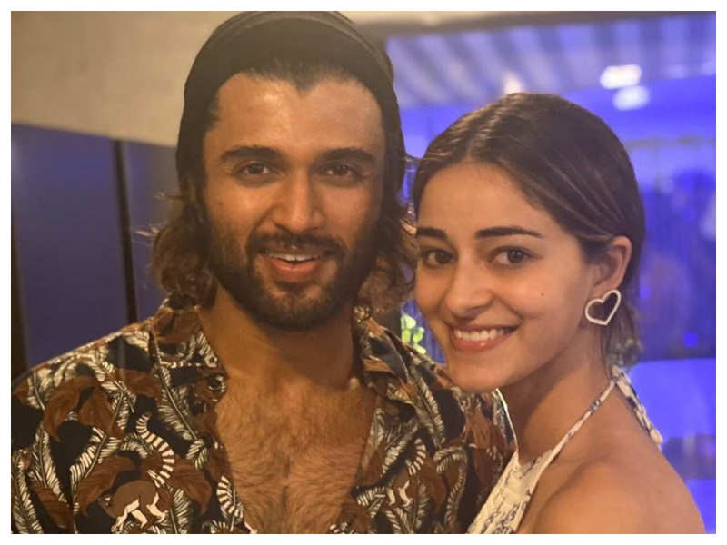 THIS is what Ananya Panday has to say about her 'Fighter' co-star Vijay Deverakonda