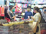 Unlock 1.0: Shopping malls, restaurants, shrines reopen