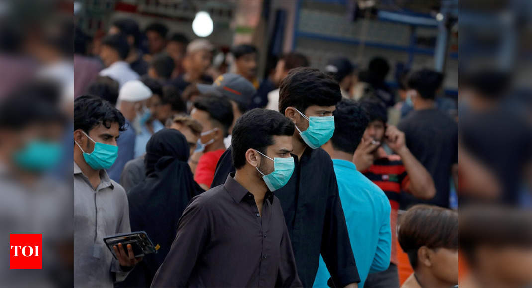 WHO calls for new lockdowns in Pakistan as coronavirus surges