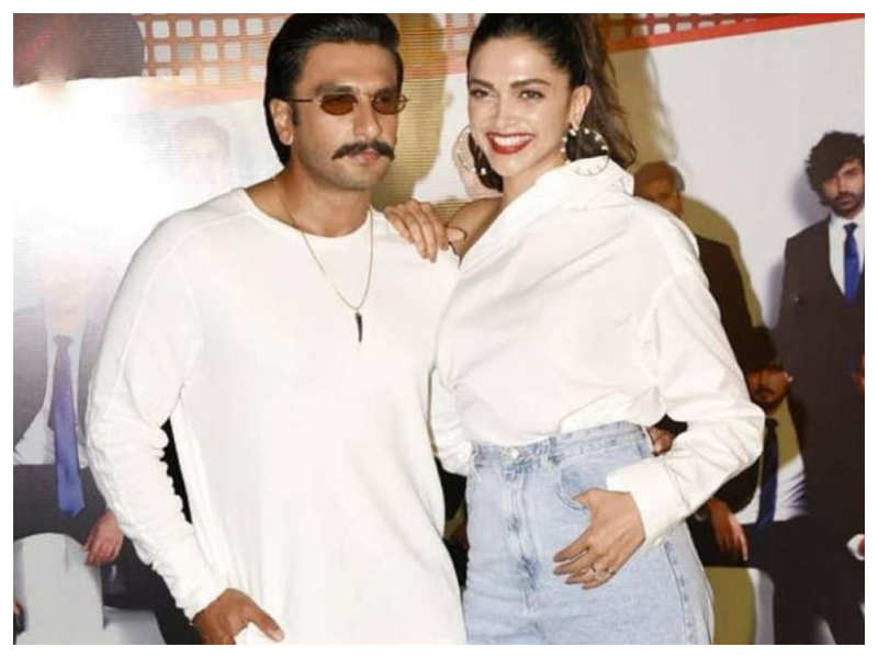 Watch: THIS throwback video of Ranveer Singh and Deepika Padukone dancing at ''83' wrap-up party will drive away your lockdown blues