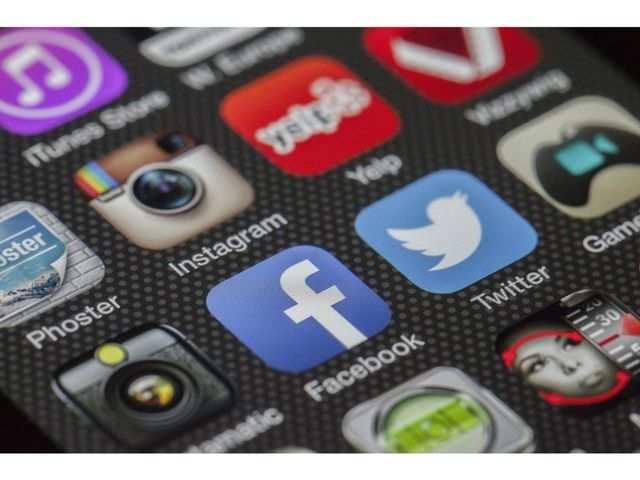 Republican senators push FCC to act on Trump social media order