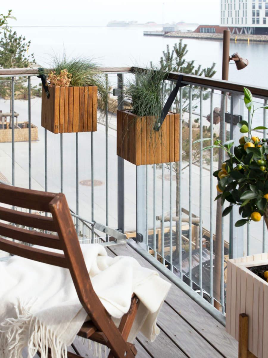 Diy Tiny Balcony Decor Ideas Times Of India
