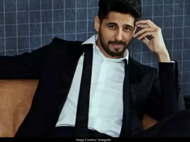Sidharth Malhotra starrer 'Thadam' will NOT be shot in Delhi?