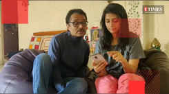 Aarohi teaches her dad Saandeep Patel how to watch movies on streaming platforms.