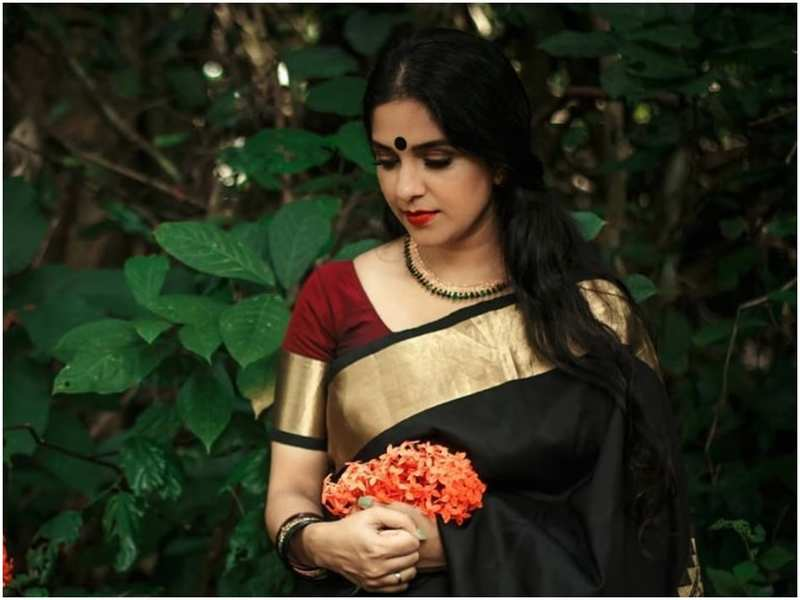 Aparna Nair looks drop-dead gorgeous in her latest post