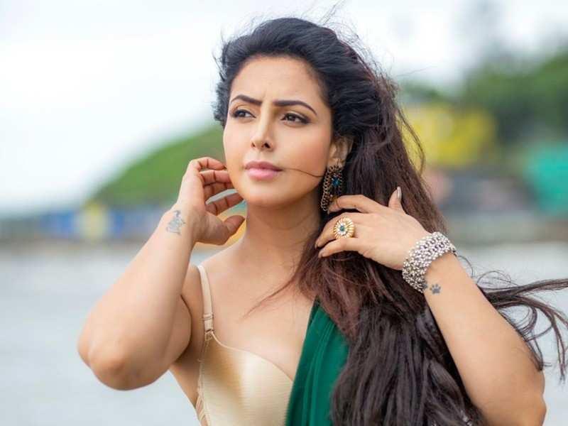 Actress Nandini Rai opens up on her struggle with depression   Telugu Movie  News - Times of India