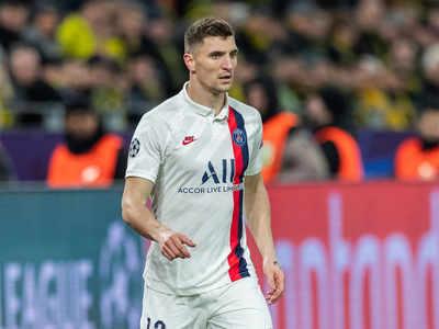 Borussia Dortmund sign PSG right-back Thomas Meunier for free