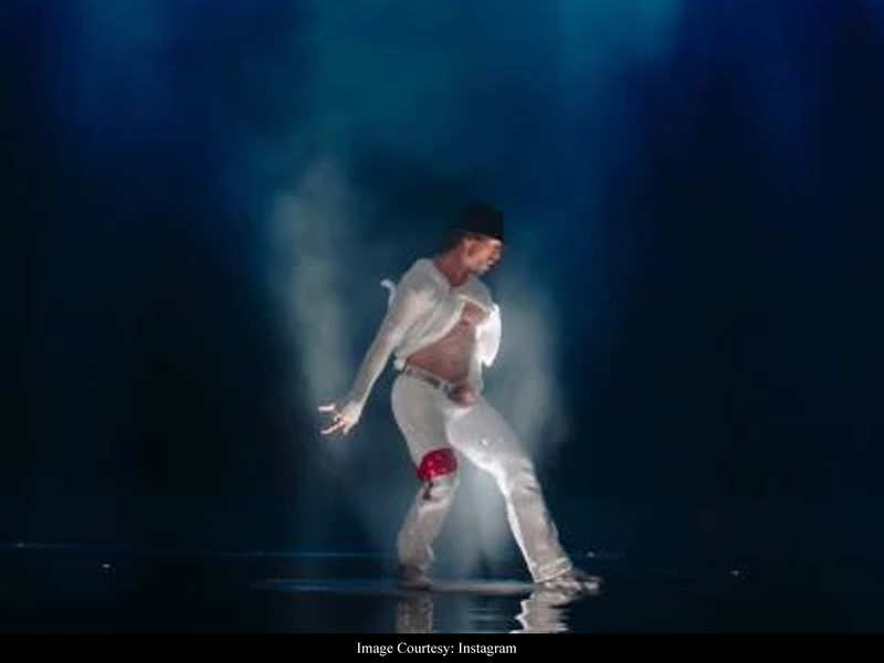 Tiger Shroff pays tribute to Michael Jackson with a throwback from 'Munna Michael' - watch video