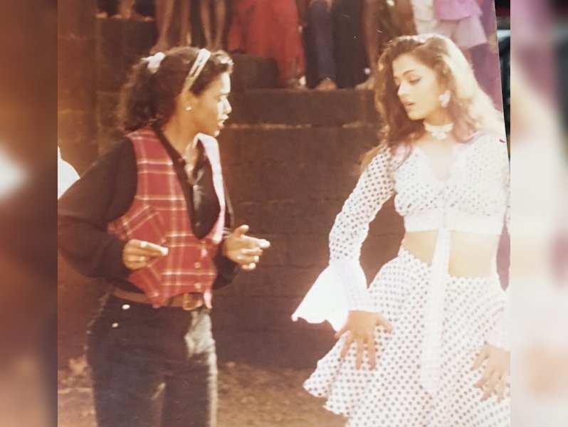 Aishwarya Rai Bachchan's unseen BTS photo from 'Iruvar' with Brindha master