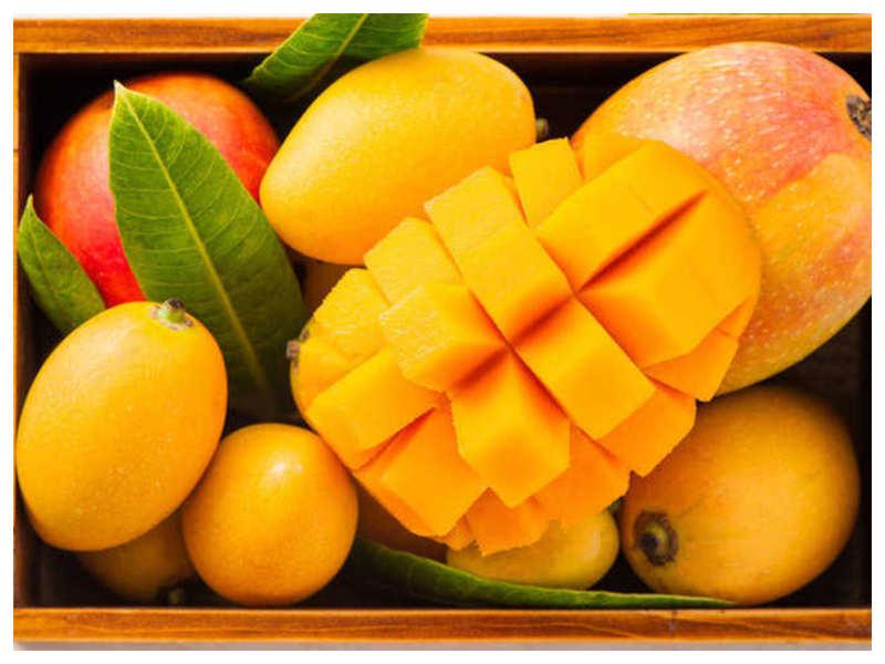 Dubai Supermarket is delivering mangoes in Lamborghini, internet is on fire!