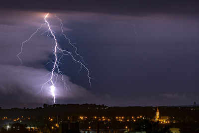 435-Mile 'Megaflash' Lightning Bolt Breaks World Record