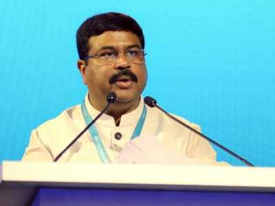 India to end central control of gas prices, lift LNG transport use