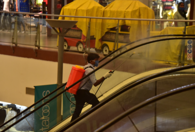 Malls, restaurants struggle as customers remain wary