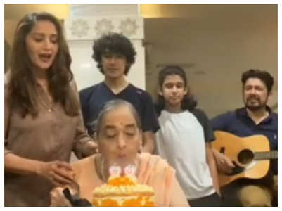 Madhuri celebrates mother's birthday at home