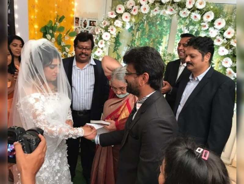 Actress Vanitha Vijaykumar gets married to Peter Paul in Chennai. See pics