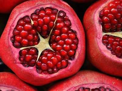 4 amazing skin benefits of pomegranate