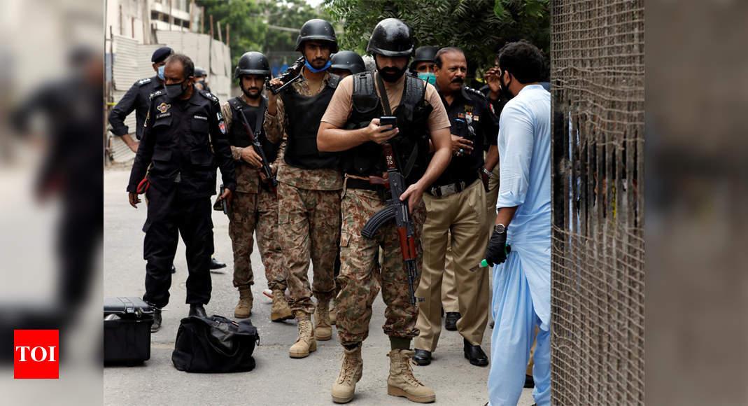 Gunmen assault Pakistani inventory change, 10 killed thumbnail