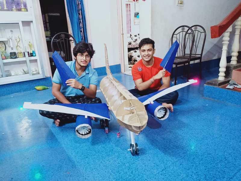 Actor Swaraj Barik makes a 4.5 feet cardboard airplane