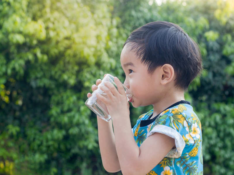Age by age guide: This is how much water your kid should drink daily