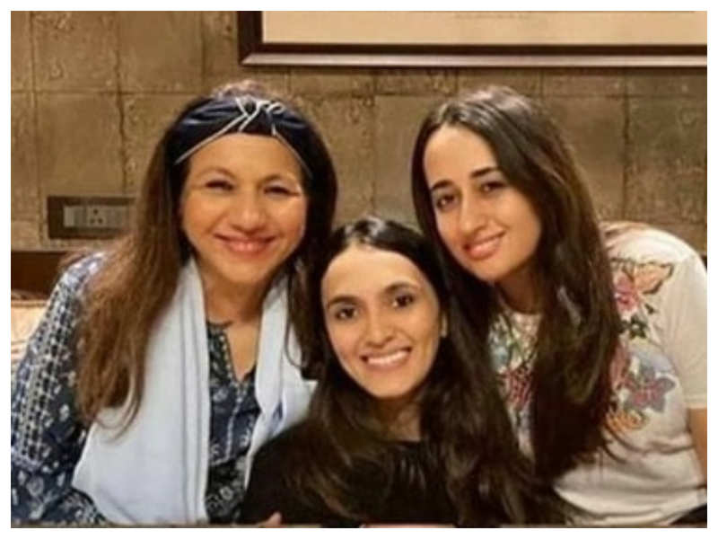 THIS picture of Natasha Dalal bonding with Varun Dhawan's mother and sister-in-law is simply endearing