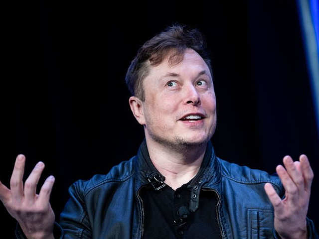 Elon Musk calls the world's richest man a 'copycat'. Again