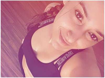 Ileana's workout selfie is all things love