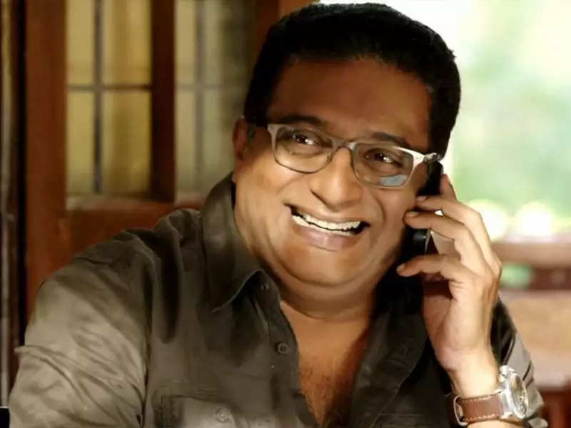 Prakash Raj reaches out to children who are missing schools during lockdown