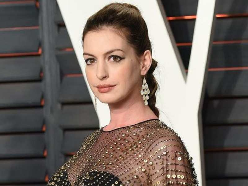 Anne Hathaway reveals Christopher Nolan doesn't allow chairs on his sets