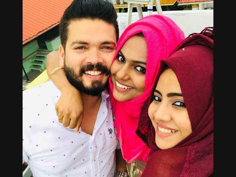 Basheer Bashi's wife supports him against Sreeya Iyer
