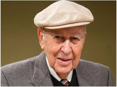 Comedy legend Carl Reiner passes away