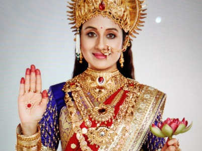 Paridhi Sharma replaces Puja Banerjee