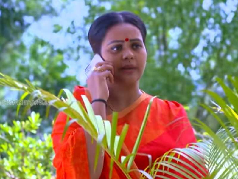 Manjil Virinja Poovu: Mallika makes a shocking revelation